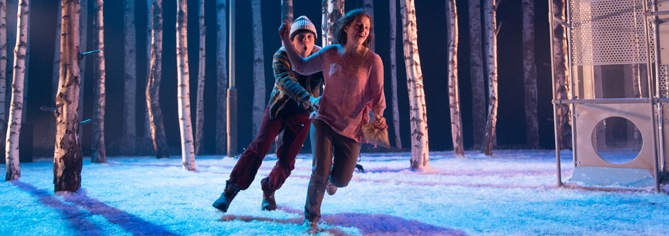 'Let The Right One In' is a stage adaptation by Jack Thorne, based on the novel and film by John Ajvide Lindqvist. Directed by John Tiffany